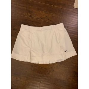 white Nike tennis skirt never been worn